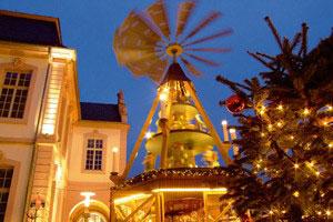 Paris Weihnachtsmarkt.The Best German Christmas Markets Weihnachtsmarkt European Rail